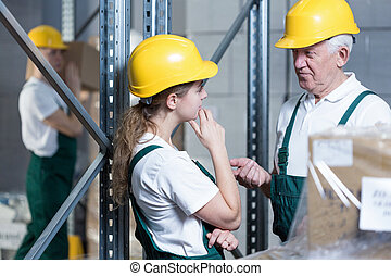 ingeniero, hablar, con, planta, trabajador
