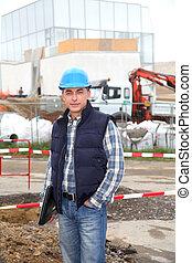 ingenieur, op, gebouw stek, met, veiligheid, helm