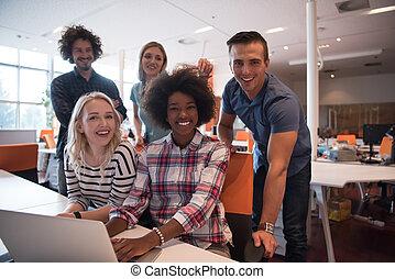 inicio, multiétnico, equipo negocio