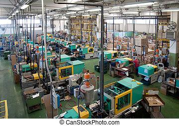 injeção, moldagem, máquinas, em, um, grande, fábrica