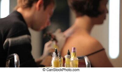 Ink tattoo - Create a beautiful tattoo in a tattoo salon....