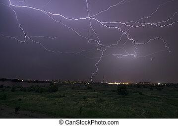 inmenso, negrita, cielo, tormenta del relámpago, noche, durante