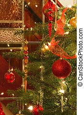 inneneinrichtung, mit, weihnachtsbaum, und, glasmalerei