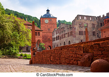 Inner yard of Schloss Heidelberg during summer