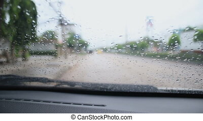 inneres auto, ansicht, blured, verkehr, in, regnerischer tag, mit, umgebend, klingen