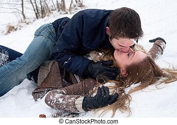innige, sneeuw, liefde, op het terrein