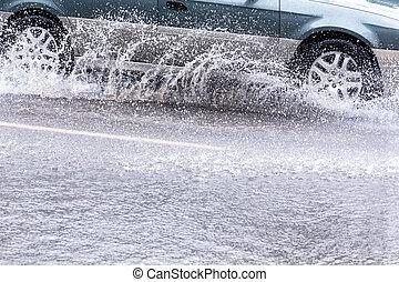 inondé, voiture, route