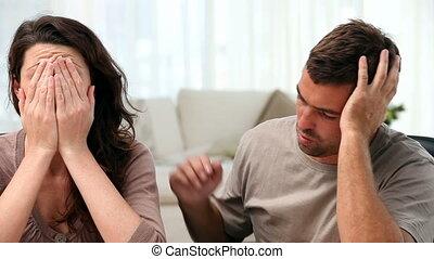 inquiété, couple, faire, leur, comptes