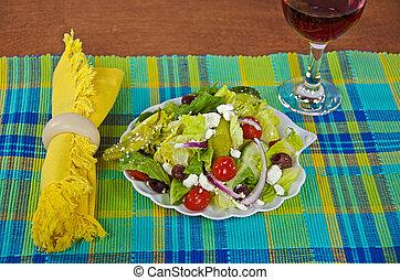 insalata greca, vino rosso