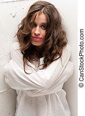 insano, close-up, mulher, olhando jovem, câmera, retrato, straitjacket