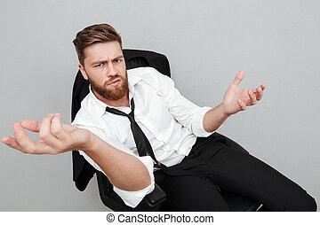 insatisfait, homme affaires, chaise, fatigué, séance