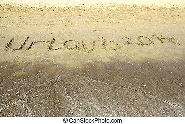 Inschrift 2014 auf Meer, Sand, Strand, horizontal