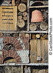Diff rent insectes maison ligneous r coltes construire - Maison a insectes plan ...