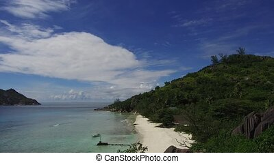 insel, sandstrand, in, indischer ozean, auf, seychellen