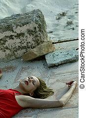 insensato, mujer, en el suelo