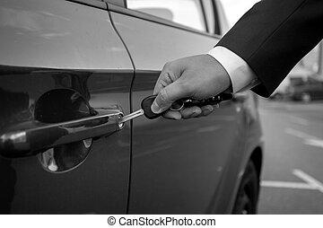 inserire, automobile, closeup, chiave, nero, bianco, buco, uomo