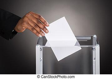 insertar, caja, businessperson, papeleta, mano