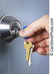 insertar, llaves, mano, cerradura