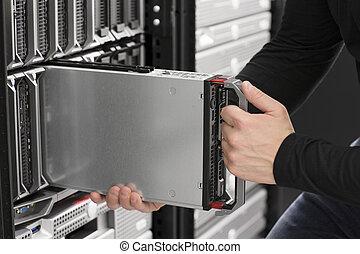 insertion, centre, lame, il, serveur, données, ingénieur
