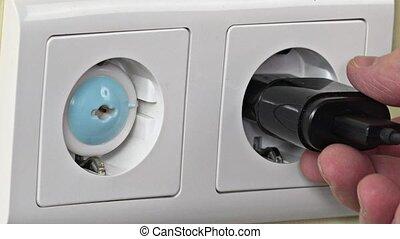 insertion, pin., chargeur, enlever, main, téléphone, sécurité, sortie