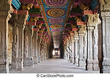 Inside Meenakshi temple - Inside of Meenakshi hindu temple...