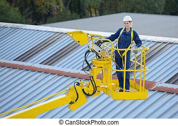 inspection, ouvrier, toit, bâtiment