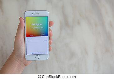 instagram, loei, mobile, -, écran, 2015:, 12, main, application, iphone, tenue, thaïlande, juillet