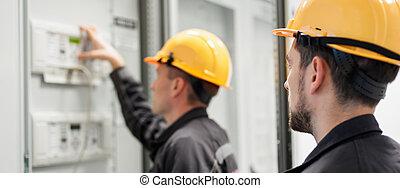instalação, serviço, testar, sistema, tripulação, campo, elétrico, inspeccionando, eletrônica, ou
