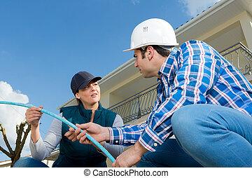 instalator, kanalizacja, zamocowywanie, pracownicy, umiejscawiać, rura, zbudowanie