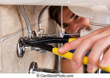 installatiebedrijf, mannelijke , zinken, keuken, installeren