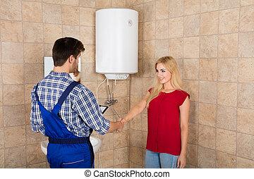installatiebedrijf, vrouw, rillend, mannetje hands