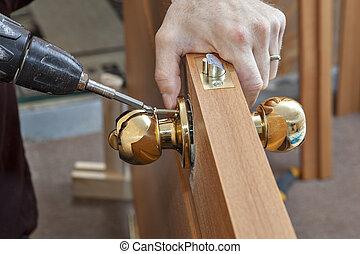Installation door knob with lock, woodworker screwed screw,...