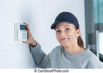 installing electronic lock