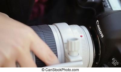 Installing lens on camera - Installing lens on dslr camera