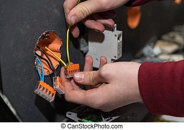 installs, circuits, électricien