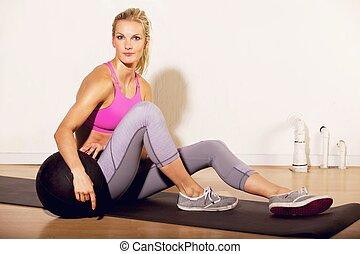 instructor, gimnasio, pilates, pelota, condición física