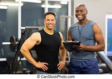 instructor salud, norteamericano, cliente, africano