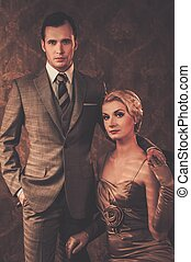 intérieur, couple, retro, bien-habillé