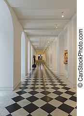 intérieur, géométrique, passage, plancher carrelé