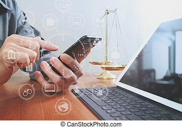 intelligent, diagramme, bois, graphique, droit & loi, concept., bureau, informatique, bureau, main, tablette, mâle, avocat, téléphone, virtuel, laiton, icônes, échelle, justice, numérique, fonctionnement, équilibre, écran