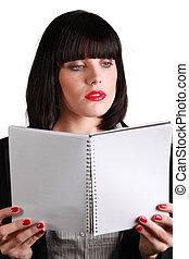 intelligent, femme affaires, tenue, cahier