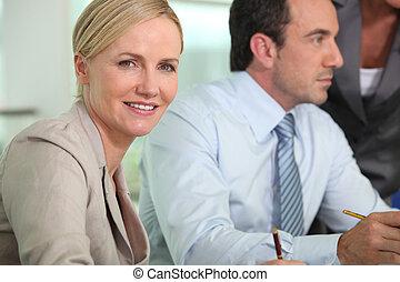 intelligent, femme, dans, a, réunion