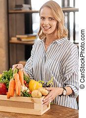 intelligent, modern, frau essen, gesundes essen