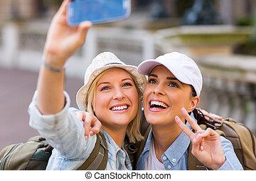 intelligent, touristes, téléphone, selfie, prendre