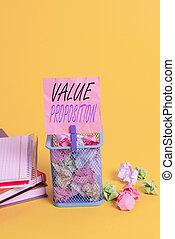 intended, 大箱, メモ, 屑, 値, ∥あるいは∥, yellow., 特徴, ペーパー, 作りなさい, テキスト, 印, 概念, 提示, proposition., 写真, 魅力的, clothespin, 供給, 空, しわくちゃになった, プロダクト, オフィス, 会社