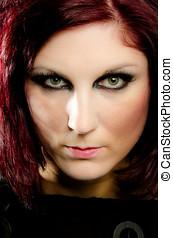 intenso, olhos verdes