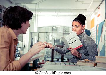 interestedly, non-fiction, interessant, besprechen, buch, neu , friends