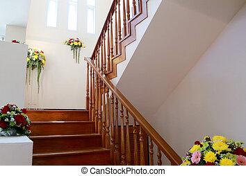 Houten huis interieur verlaten trap garden verlaten
