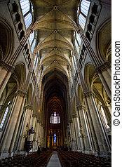 interior, de, catedral, notre dame, reims, champaña, francia