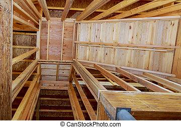 interior, de, um, repouso novo, construção, com, escadas, para, um, abertura, para, madeira, vigas